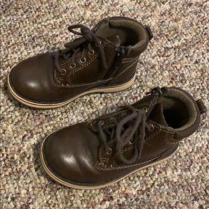 Toddler boys boots.